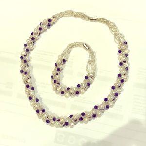 Freshwater pearls necklace bracelet set